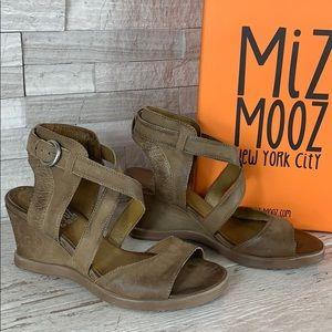 Miz Mooz NIB Braden Wedge Leather Sandal 37 Dust